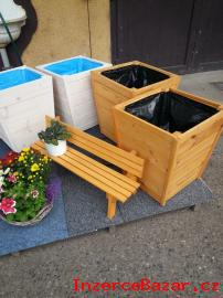 Malá ozdobná lavička