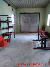 Kanceláře a montážní halu