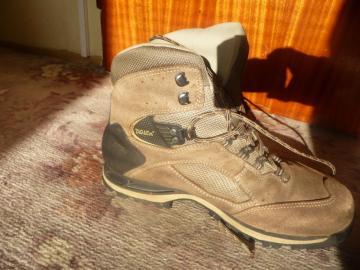 prodám dámské trekingové boty