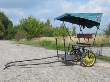Ultra lehký dvoukolový vozík za koně