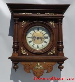 Staré pseudorenesanční hodiny 1890