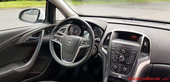 Opel Astra 1.  maj. , koup.  v ČR