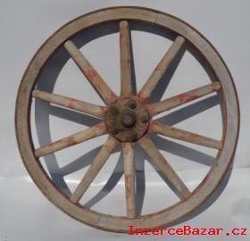 Stará kola na chalupu