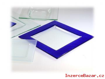 Čtvercové skleněné talíře