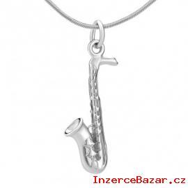 Stříbrný přívěsek ve tvaru saxofonu