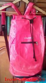 Červený batoh lakovaný