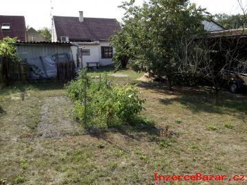 RD 3+kk Velký Osek, zahrada, garáž