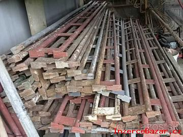 Koupim leseni haki do 300ks kostek i dil