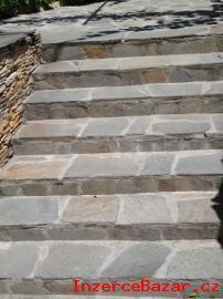 Stříbrnohnědý přírodní kámen