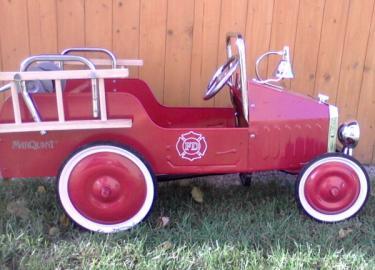 Inzerce děti > luxusní plechové šlapací auto-hasiči