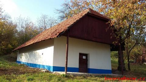 Prodej pozemku a slovácké búdy