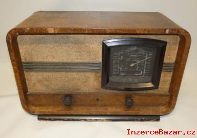 Staré rádio značky Philips